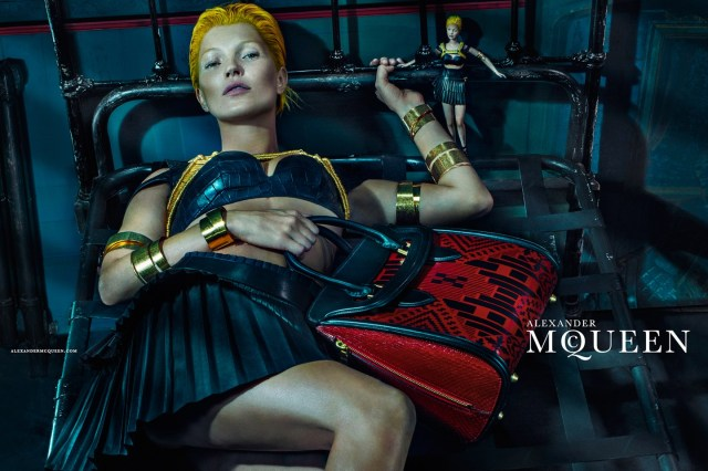McQueen-Moss-2-Vogue-27Jan14-Steven Klein_b_1440x960 - Copy
