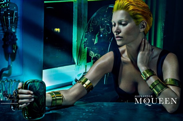 McQueen-Moss-3-Vogue-27Jan14-Steven Klein_b_1440x960 - Copy
