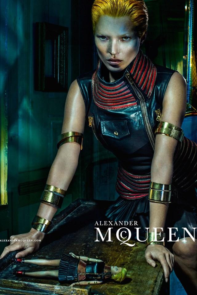 McQueen-Moss-6-Vogue-27Jan14-Steven-Klein_b